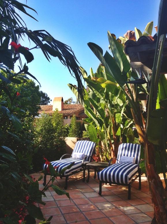 Rancho-Valencia-courtyard